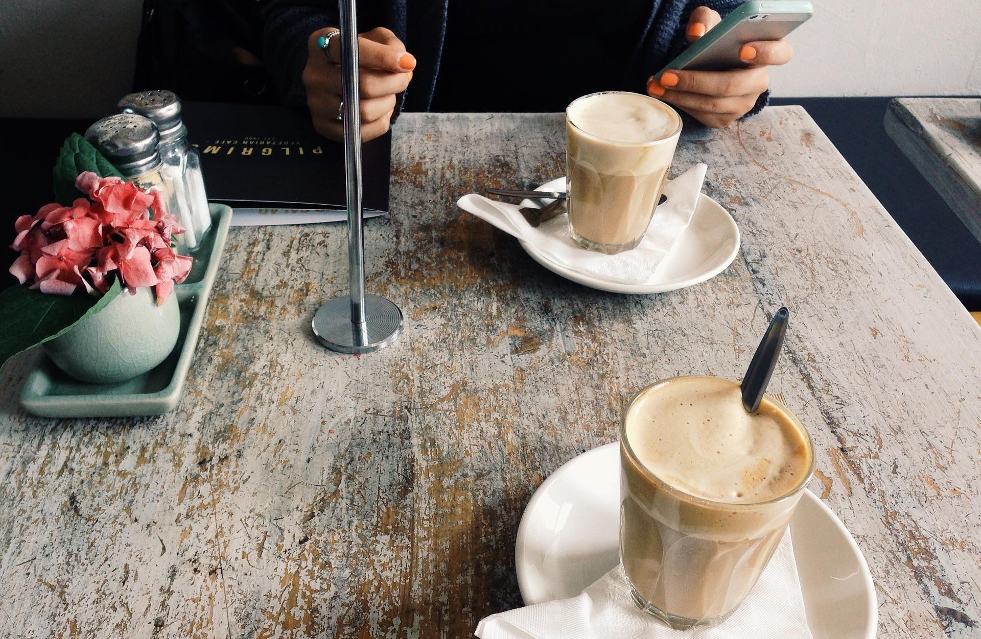 cafe-918887_1920