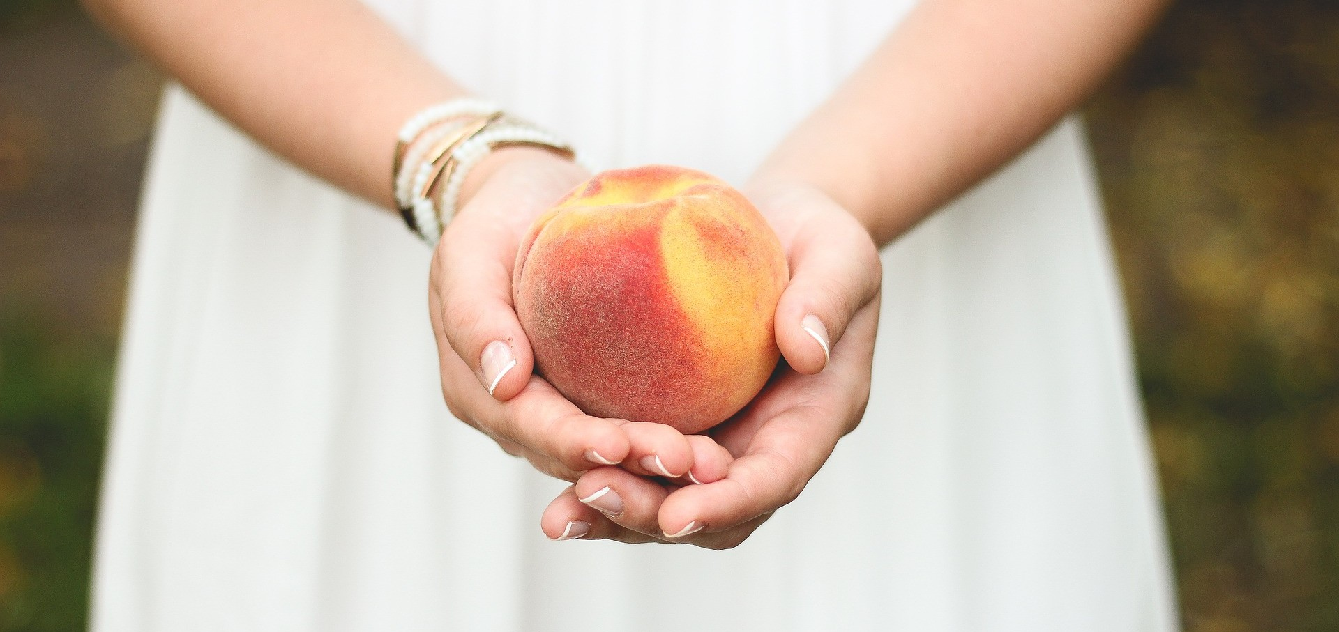peach-698592_1920