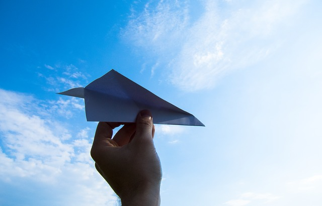 Die 3 weltbesten Papierflieger basteln | Faltanleitung | Männer Büro